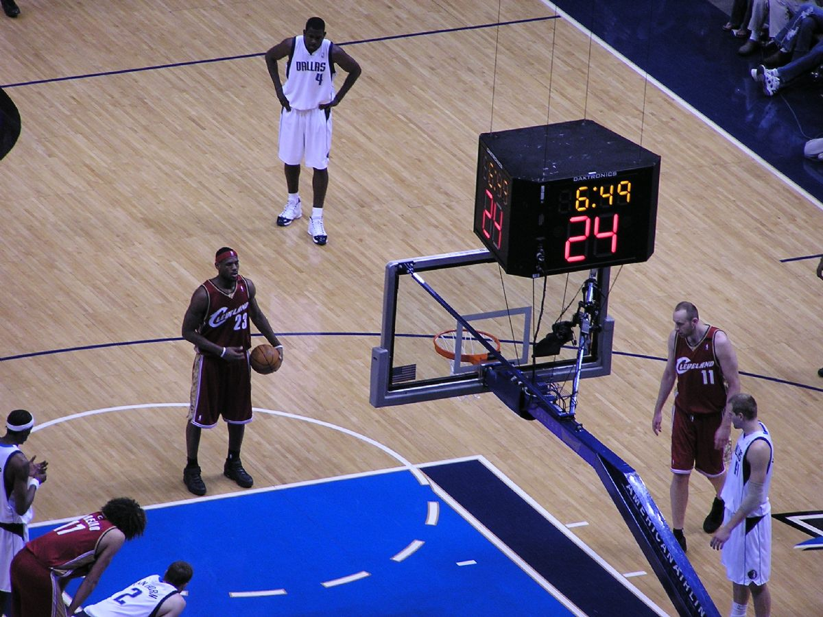 lebron_james_freethrow